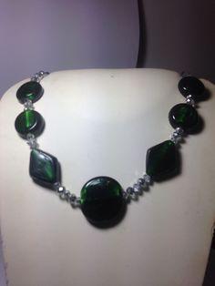 #collana in #vetro #verde e #cristalli #grigi. Su www.oro18.eu #oro18 #bigiotteria #bijoux #jewelry
