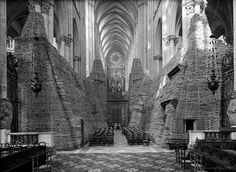 Emmanuel-Louis Mas. Amiens Cathedral protected from bombing. 1940  [::SemAp FB    SemAp::]