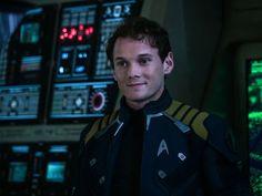 Anton Yelchin played Chekov in 'Star Trek Beyond. Star Trek 2009, Star Trek Beyond, Star Trek Chekov, Radios, Star Trek Reboot, Anton Yelchin, Star Trek Movies, Starship Enterprise, Star Trek Universe