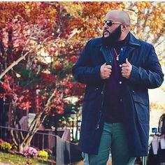 31 Large Men Fashion Ideas to Try - Fashionetter Mens Plus Size Fashion, Large Men Fashion, Men's Fashion, Fashion Check, Fashion Boots, Fashion Ideas, T Shirt Polo, Sweatshirt, Clothes For Big Men
