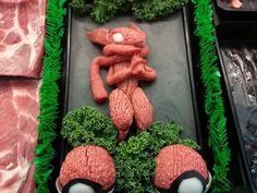 sculptures en viande hachee geek 2   Les sculptures en viande hachée de Epic Grinds   viande Sculpture pop culture Kieran Gormley hache