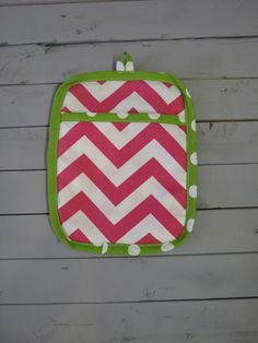 Caught Ya Lookin'- Pink and Green Pot Holder