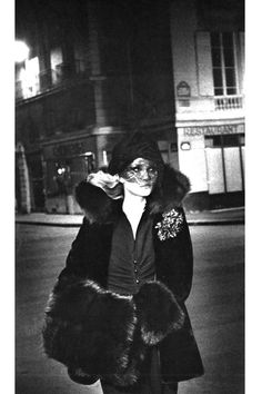 Photo by Helmut Newton for Vogue Paris, 1974.