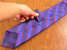 How to make your own tie. Just in time for Christmas sewing!