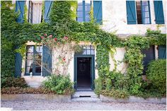 Manoir de Longeveau | Image by Award Weddings