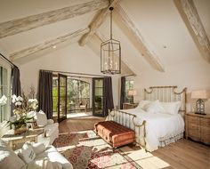 Beautiful Home Inspiration - House of Hargrove  61 stunning interior photos full of inspiration and decorating ideas.