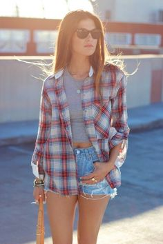 40 Casual And Formal Plaid Shirt Outfits For Women Spring Outfits, Girl Outfits, Casual Outfits, Fashion Outfits, Fashion Trends, Flannel Outfits Summer, Casual Shorts, Cute Outfits With Flannels, High Wasted Shorts Outfit