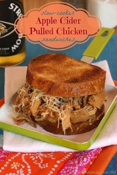 Slow-Cooker Apple Cider Pulled Chicken Sandwiches - super easy & flavorful | cupcakesandkalech... | #slowcooker #crockpot