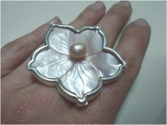 925silver, mother-of-pearl & perl ring.
