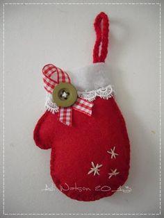 Ali Watson Creations : Christmas Felt Mitten