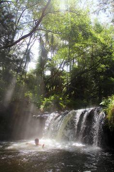 Kerosene Creek in Ro