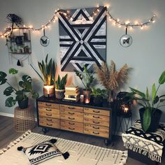 Vintage furniture and boho style Home Living Room, Living Room Decor, Bedroom Decor, Home Decor Inspiration, Decor Ideas, Cute Room Decor, Aesthetic Room Decor, House Rooms, Cozy House