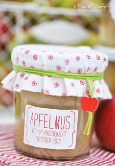Apfelmus {Rezept} I applesauce {german recipe} I personalisierte Küchenaufkleber I personalized homemade label I Bäckergarn I backers twine I Äpfel I apples I Herbst I autumn I food packaging I homemade gift I Casa di Falcone