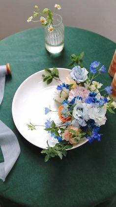 Creative Flower Arrangements, Beautiful Flower Arrangements, Flower Centerpieces, Flower Decorations, Floral Arrangements, Home Flowers, Simple Flowers, Diy Flowers, Flower Pots