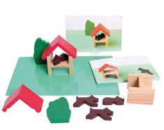 Ce coffret vise à développer le sens de l'observation et la capacité à structurer l'espace. En jouant, l'enfant aborde des notions spatiales : voisinage, symétrie, latéralisation… Existe en 2 modèles : Atelier 1 avec 10 pièces en bois (dès 2 ans) et 2 avec 28 pièces en bois (dès 4 ans). Les 2 ont 18 fiches-modèles + 2 plans de jeu dim. 32 x 22 cm.