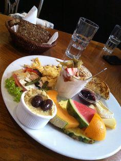 Vegetarian brunch at Paludan Cafè, Copenhagen!