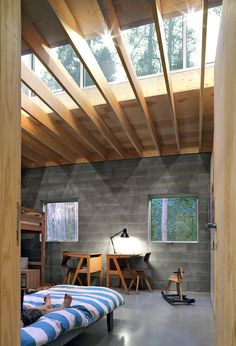 Love the roof...natural light and to watch a thunderstorm...perfection!