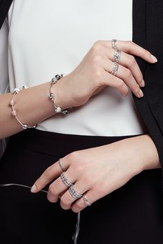 Stack up on sterling silver rings for a stylish day at the office. Styling by PANDORA Italy and the Italian magazine GIOIA! #PANDORAstyle | www.goldcasters.com