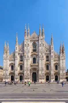 Cathedral (Duomo) in Milan, Italy Italy Architecture, Gothic Architecture, Historical Architecture, Amazing Architecture, Beautiful Buildings, Beautiful Places, Duomo Milano, Milan Duomo, Places To Travel