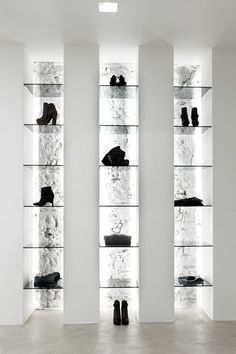 inspired by books as display shelves deins schaufenster und deko. Black Bedroom Furniture Sets. Home Design Ideas