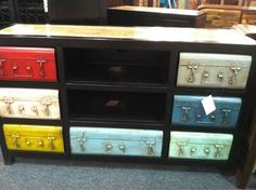Recycled products and pops of color were big at #hpmkt