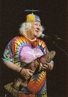 Tie-dye counter culture icon/entertainer Wavy Gravy turns 79 today - he was born 5-15 in 1936. The dear just departed B.B. King gave him that name in 1969 and it stuck. He was the official 'clown' of The Greatful Dead and famously appeared at Woodstock ('69). Happy b'day Wavy!