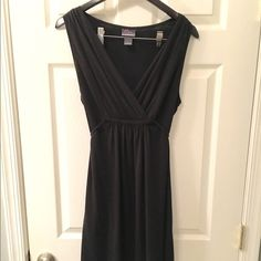 NWOT Maternity chemise, size large NEW, never worn, Black, motherhood maternity simple chemise/nightgown specifically designed for nursing- The cross-over top allows for easy access to the bosom nectar. And the tie waist is perfect to provide a customized fit. HOWEVER, this style chemise is equally attractive as it is functional, it can be worn by any woman, pregnant, postpartum or neither! Originally purchased for $48! Motherhood Maternity Intimates & Sleepwear Chemises & Slips