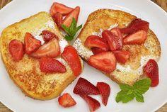 Brunch de San Valentín: French Toast Simple! French Toast (literalmente tostada francesa) es un desayuno típico americano, normalmente hecho los fines de semanas, para las ocasiones especiales, y para el brunch. French toast sería el desayuno perfecto este Día de San Valentín para sorprender a tu pareja o familia! French toast es un desayuno simple …