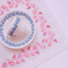 Pink grapes Table mat🌸🍇 . . . #웨지우드 #핑크온크림 #퀸즈웨어 #자수 #프랑스자수 #자수타그램 #embroidery #embroideryart #pink #wedgwood #queensware #fruits #grape #grapes #needlework #needlecraft #tablecloth #mat #victorian #tablemat #вышивка#刺绣#刺繍#Broderie #bordado #lace Creative Wedding Inspiration, Embroidery Motifs, Blue Bridal, Sewing Art, Silver Work, Kurta Designs, Light Colors, Minis, Elsa