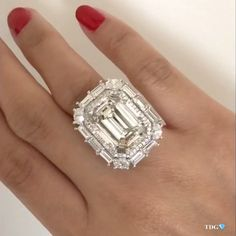 TRACEY ELLISONTHEDIAMONDSGIRL (@thediamondsgirl) on Instagram: «OH EMERALD CUT!!! YOU OWN MY HEART!!! And this @ns_diamonds in particular makes my heart skip a…»