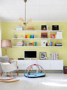 Posible duplicar el Ikea PS para hacer un mueble más largo? Necesitas mucho almacenaje? porque entonces no haría falta armarios colgantes...