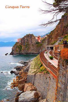 Cinque Terre, Italy (the path from Riomaggiore to Manarola)