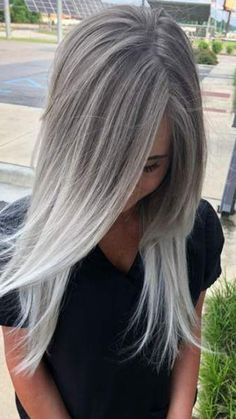 Silver blonde ombré made by me, I love blonde hair . … – Haar und Schonheit Silver blonde ombré made by me, I love blonde hair ! Silver Blonde Ombre, Ombre Blond, Silver Grey Hair, Platinum Blonde Hair, Ombre Hair Color, Silver Ash, Black Hair, Grey Ash Blonde, White Hair