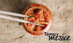Kimchi: Recept na křupavý salát plný vitaminů a probiotik | Magazín | Recepty.cz Probiotic Foods, Fermented Foods, Whole Foods, Whole Food Recipes, Simple Recipes, Free Recipes, Kombucha, Kimchi Burger, Kimchi Food