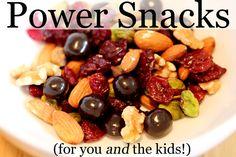 This looks yummy.  Spinach, strawberries, banana, greek yogurt and more smoothie!