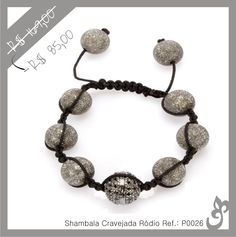 bd5f79065fa Pulseira modelo Shambala banhada à ródio negro e com bolinha central  cravejada em zircônias negras. Com tamanho regulável e linda