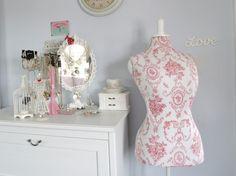 Vintage Victoria - Moda, Belleza y Estilo de Vida Blog