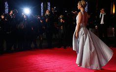 Video: The Hunger Games: Mockingjay, Part 1: Jennifer Lawrence, Josh Hutcherson, Liam Hemsworth attend world premiere in Leicester Square - Telegraph