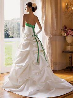 vestidos para madrinas de boda con espalda estilo corset | Vestidos blancos de estilo princesa para 15 años | Mas de Moda