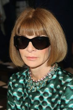 Anna Wintour Photos Photos - Anna Wintour attends Tory Burch Spring 2016 at Avery Fisher Hall at Lincoln Center for the Performing Arts on September 15, 2015 in New York City. - Tory Burch - Front Row - Spring 2016 New York Fashion Week