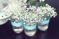 babys-breath-mason-jar-vases