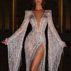 Best Party Dresses stylish gown flipkart party gowns party needs Elegant Dresses For Women, Fabulous Dresses, Pretty Dresses, Beautiful Dresses, Party Dresses For Women, Stylish Gown, Stylish Dresses, Spring Skirts, Stunning Wedding Dresses