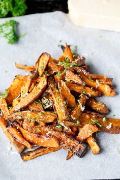 Oven Baked Garlic Butter and Parmesan Sweet Potato Wedges so soft and buttery! Sweet Potato Recipes, Veggie Recipes, Great Recipes, Cooking Recipes, Veggie Dishes, Recipe Ideas, Side Dishes, Healthy Snacks, Healthy Eating