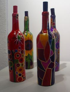 BOTTLES USING ABSTRACT DESIGN