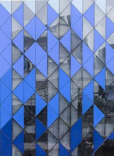 Image 17 of 38 from gallery of Tri-Tessellate / AKDA. Building Exterior, Building Facade, Retail Facade, Mall Facade, Facade Architecture, Beautiful Architecture, Fasade Design, Compound Wall Design, Glass Facades