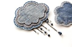 denim and beads thundercloud brooch Textile Jewelry, Fabric Jewelry, Jewelry Art, Jewelry Design, Fabric Brooch, Felt Brooch, Brooch Corsage, Brooches Handmade, Handmade Jewelry