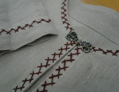 Since only small fragments of serks have been found, the reconstruction of the serk proves to be more difficult that the type of garment itself. With medieval clothing one can turn to tapestries, p… Viking Garb, Viking Dress, Viking Costume, Viking Reenactment, Embroidery Neck Designs, Silk Ribbon Embroidery, Embroidery Stitches, Embroidery Patterns, Norse Clothing