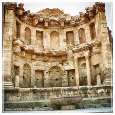 #jerash #jerashjordan #castle #temple #church #ruins #columns #colonnade #heritage #history #city #oldcity #old #photography #photo #photographer #jordan #travel #holiday #discover #statue #sculpture #art #architecture