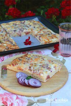 Annyi elég lesz, hogy nagyon szeretjük? :)) Szerintem vetekszik a pizzával, de hát úgy is nevezik, hogy a magyarok pizzája. Van aki Töki pomposnak,... Pancakes, Bacon, Barbie, Pizza, Bread, Breakfast, Ethnic Recipes, Food, Morning Coffee