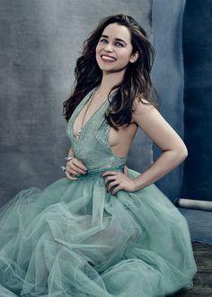 Beauty and grace! Emilia Clarke